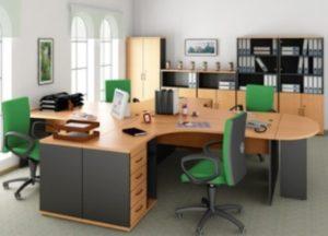 Светлый стол для офиса
