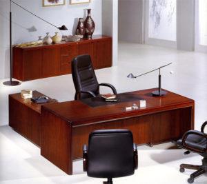 Стол из мебели для офиса ЛНР