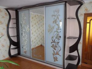 Матовые стекла в шкаф-купе