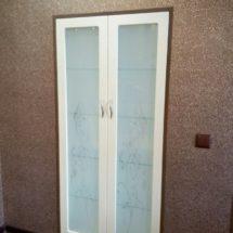 Прозрачный шкаф для кухни