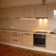 Белая кухня светлая