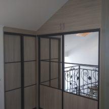 Шкаф купе с квадратными вставками