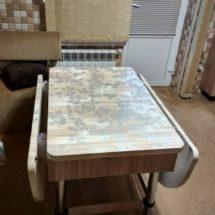 Белый, раскладной стол на кухню