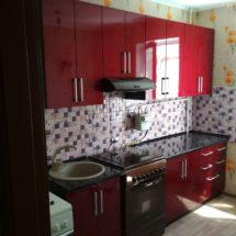 Темно красная кухня на заказ