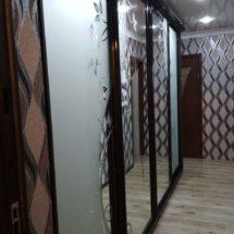 Шкаф купе со стеклом и зеркалом