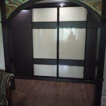 Шкаф под аркой